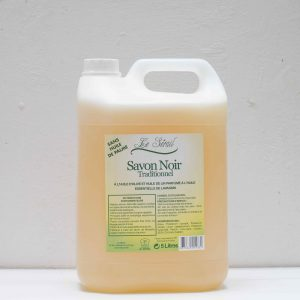 Bidon de 5 litres contenant du savon noir ménager le Serail