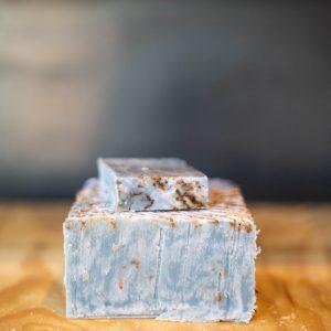 Savon à froid bio « Douce France » couleur bleuté